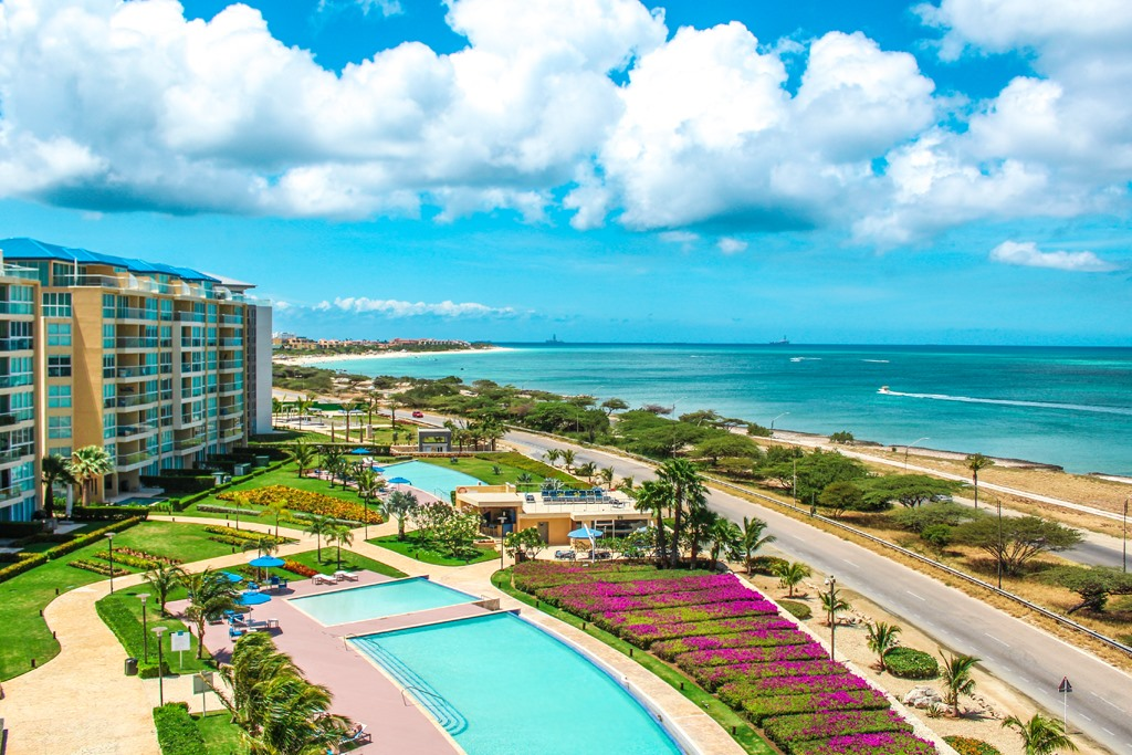 aruba coastline pool hotel